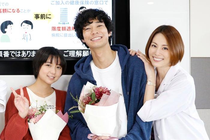(左から)上白石萌歌、清原翔、米倉涼子(C)テレビ朝日