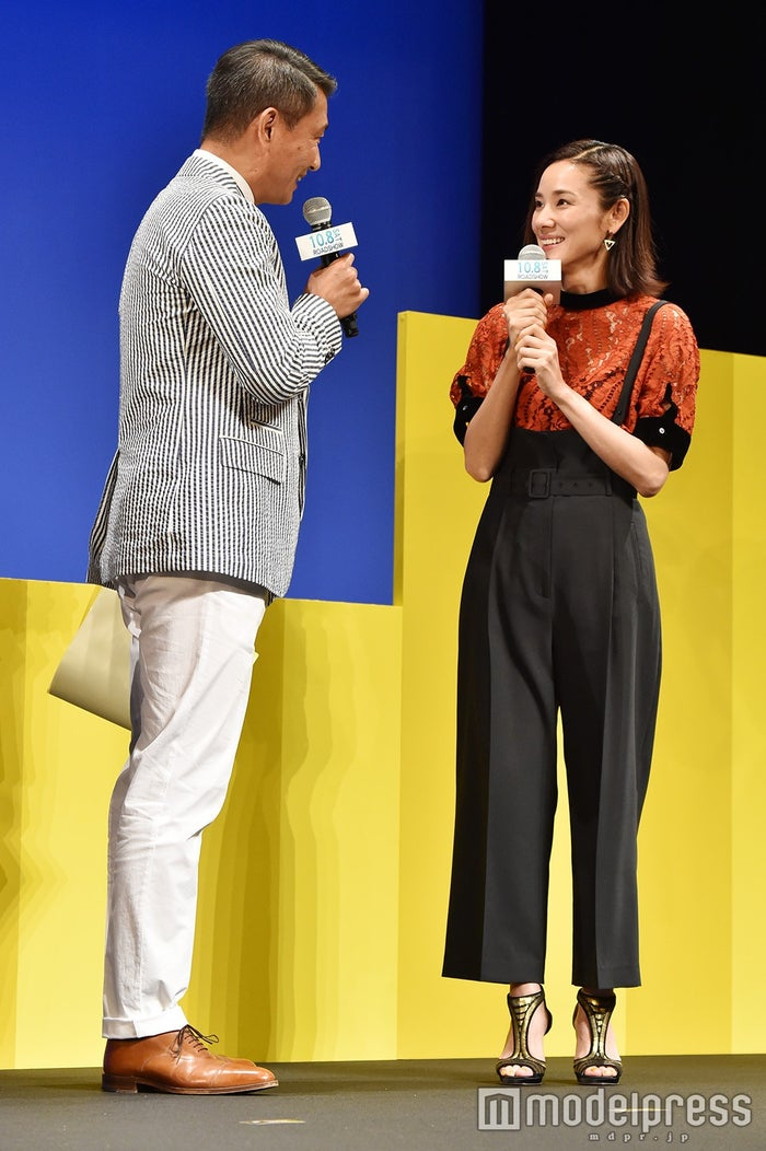 中井貴一と吉田羊(C)モデルプレス