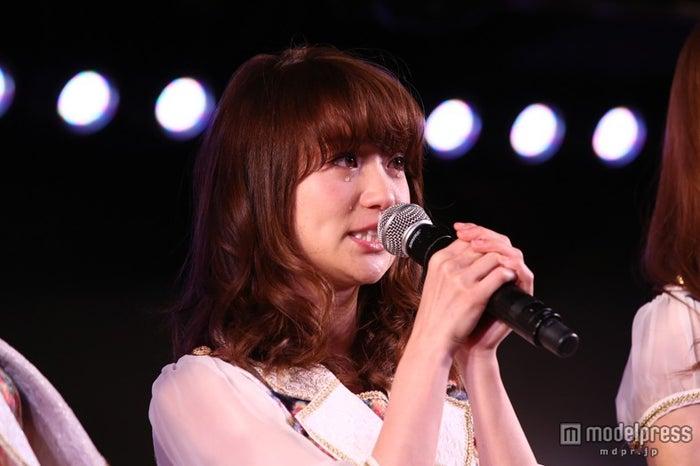 大島優子、大粒の涙を流す(C)AKS