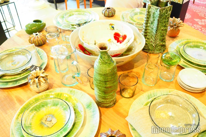 店内で販売されているおしゃれな食器の数々(C)モデルプレス