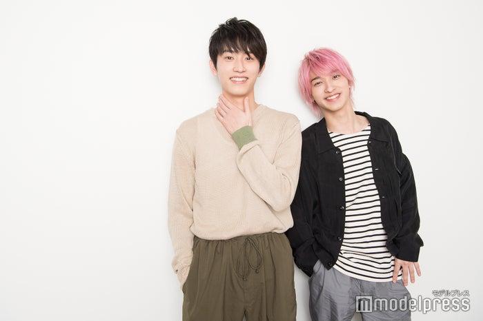 (左から)杉野遥亮、横浜流星(C)モデルプレス