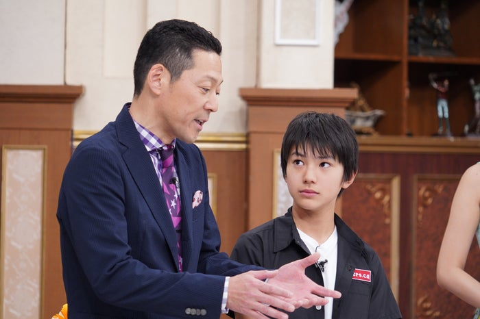 東野幸治、荒木飛羽(C)日本テレビ