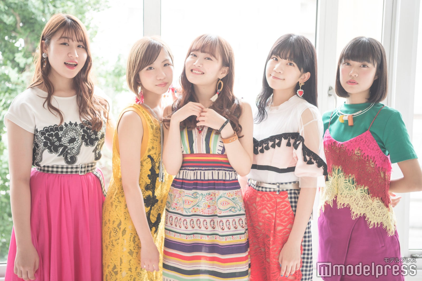左から)かれん、MAYU、芹奈、manaka、アサヒ(C