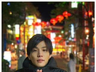 """EXILE岩田剛典、""""彼氏感溢れる""""寒がりショットに反響「デートしているみたい」"""