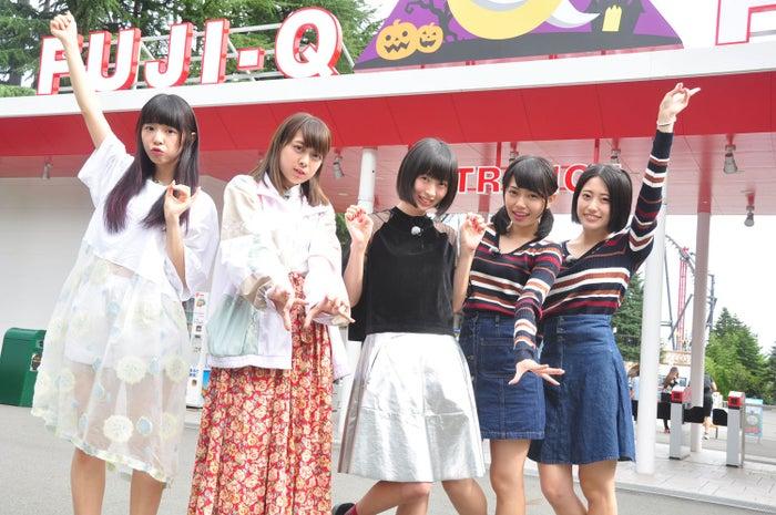 (左から)大場はるか、小日向麻衣、三嵜みさと、滝口ひかり、小泉留菜(C)東北新社