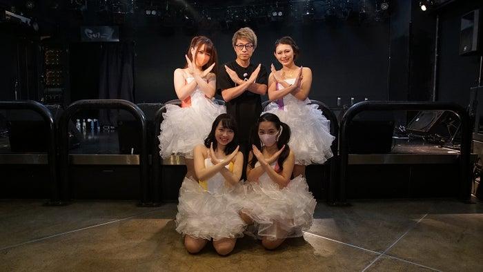 上段左から:いちご、田村淳、LIZ/下段左から:ひな、成海ゆず(提供写真)
