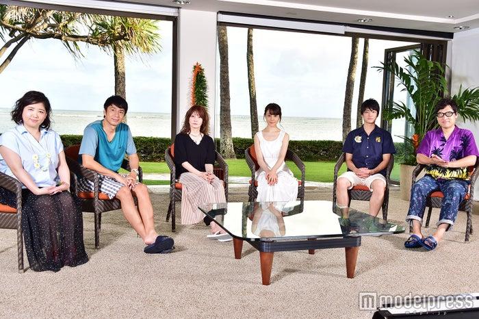 「テラスハウス」スタジオキャスト(左から)馬場園梓、徳井義実、YOU、トリンドル玲奈、健太郎、山里亮太(C)モデルプレス