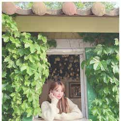 モデルプレス - IZ*ONE宮脇咲良、久々近況写真にファン歓喜「天使が見える」「どこまで綺麗になるの?」