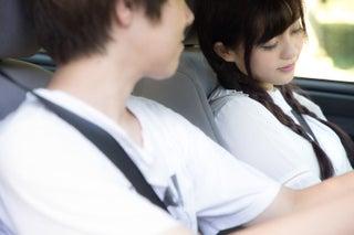 男性がドライブデート中に思わずキスしたくなる瞬間6選 今したい…