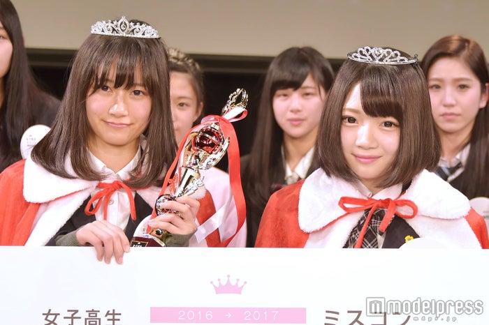 日本一のかわいい女子高生を決めるミスコン<関西地方予選/グランプリ:ゆきゅんさん(左)&準グランプリ: ゆりぴさん(右)>(C)モデルプレス