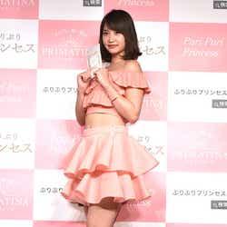モデルプレス - 永尾まりや、ミニスカで美ウエスト&美脚披露 AKB48時代からの心がけとは