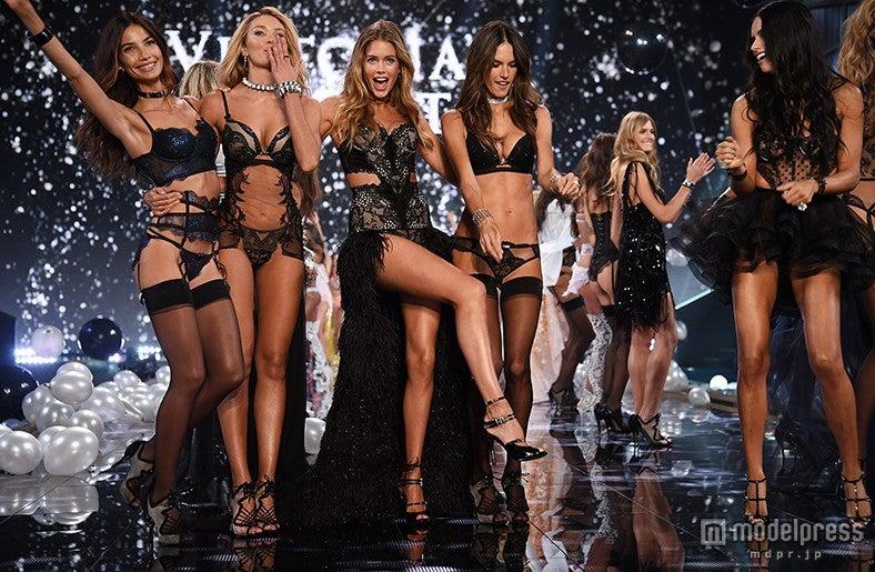 """「ヴィクトリアズ・シークレットファッションショー」NY開催迫る!これまでの""""ヴィクシー""""の歴史を振り返る 写真は2014年開催の様子/photo:Getty Images【モデルプレス】"""