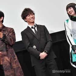山本耕史、岡田龍太郎、鶴嶋乃愛 (C)モデルプレス