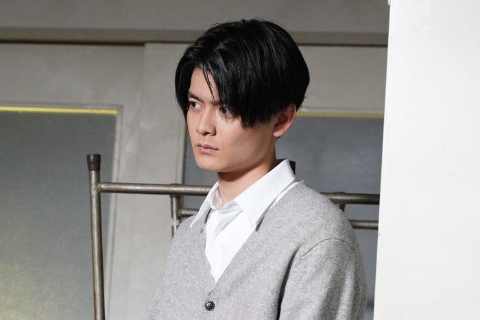 中尾蓮を演じる三船海斗『3年A組 ―今から皆さんは、人質です―』(C)NTV