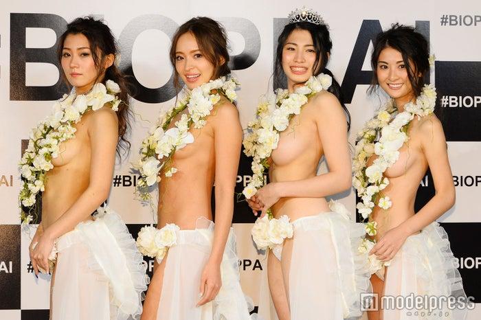 (左から)Lunaさん、中北成美さん、中岡龍子さん、 繭さん(C)モデルプレス