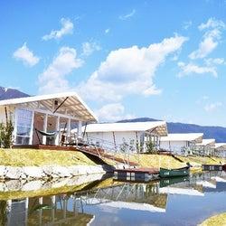 滋賀にグランピング施設「エバーグレイズ琵琶湖」家族旅&ペット同伴にもおすすめの多彩なヴィラ