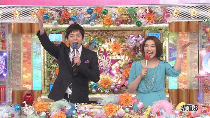 「オールスター感謝祭」(TBS系)の司会進行を務める(左から)今田耕司、島崎和歌子