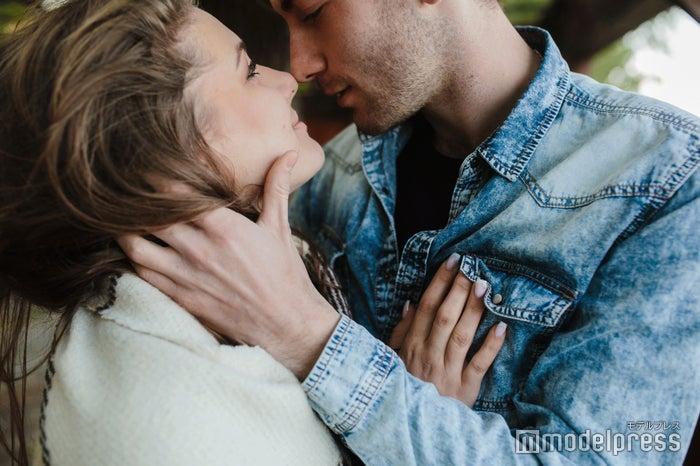 当てはまったら危険かも…共依存恋愛に陥っているカップルの特徴5つ(photo-by-teksomolika/Fotolia)