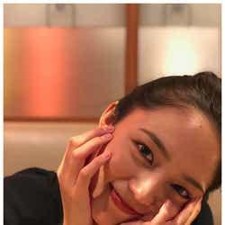 """モデルプレス - 川口春奈""""彼女感""""溢れるデコ出しショット公開「めちゃくちゃ可愛い」「美肌」と見惚れるファン続出"""