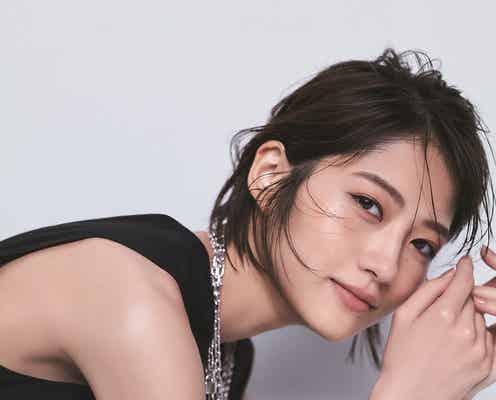 若月佑美「Oggi」初表紙で透明美肌披露 橋本環奈から「とても尊敬しています」とメッセージ