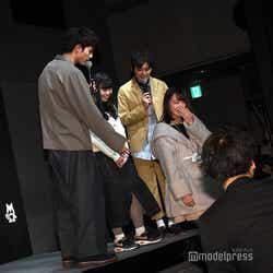 「階段気をつけて」と気遣い/板垣瑞生、濱田龍臣 (C)モデルプレス