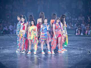 "E-girls、11人で初のアリーナツアー終幕「明るい未来に向かっていきたい」 ""ファン参加型""の一体感…新体制で魅せた<ライブレポ/セットリスト>"