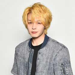 モデルプレス - 中村倫也、金髪姿を披露 徹底した役作りで新ドラマ「珈琲いかがでしょう」撮影