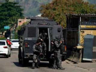 ブラジル・リオデジャネイロで銃撃戦 死者25人以上
