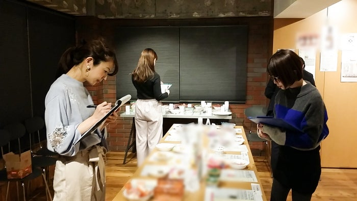 審査会の様子/画像提供:FOODEX JAPAN 広報事務局