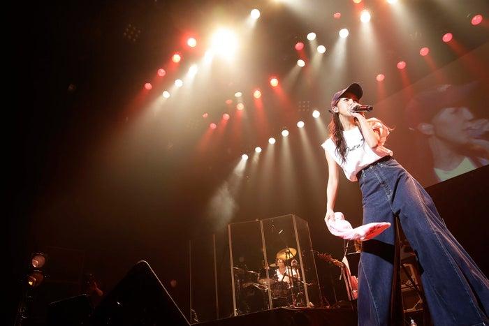 「板野友美 LIVE TOUR 2018~Just as I am~」より(提供写真)