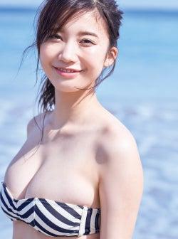 小倉優香、美バストがこぼれ落ちそう!活躍振り返る