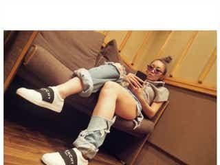 倖田來未、ダメージジーンズで太もも大胆披露 レコーディング時の服装にこだわり
