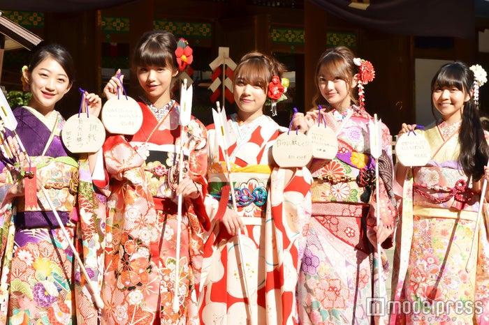 (左から)田辺かほ、鈴木優華、都丸紗也華、加藤雛、神沢有紗 (C)モデルプレス