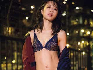 伊藤萌々香、初のランジェリー姿を披露・ロングヘアばっさりカット 4年ぶり写真集発表