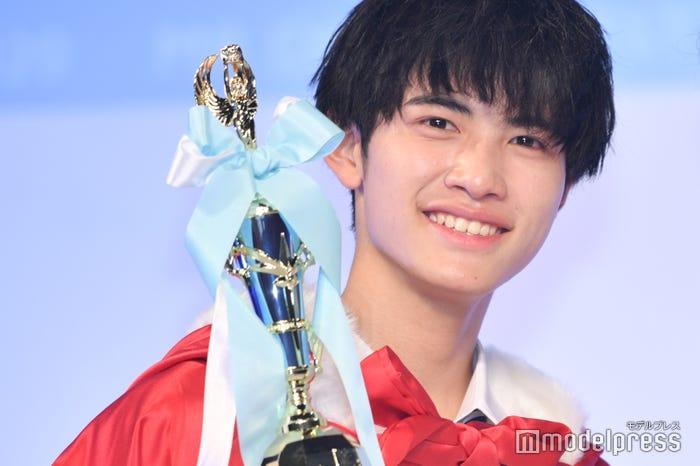 「男子高生ミスターコン2020」グランプリの中野晴仁くん(C)モデルプレス