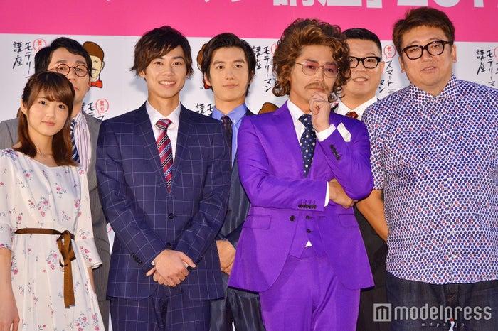 (前列左から)若月佑美、戸塚純貴、安田顕、福田雄一(後列左から)じろう、水田航生、長谷川忍 (C)モデルプレス