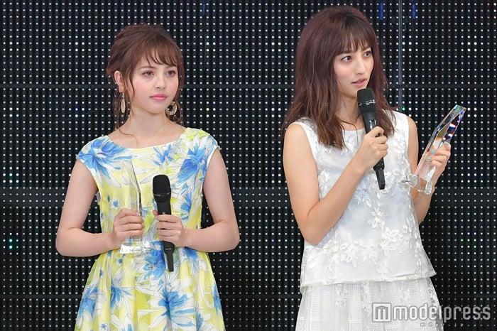 「神戸コレクション 2018 SPRING/SUMMER」に出演した加藤ナナ、堀田茜 (C)モデルプレス