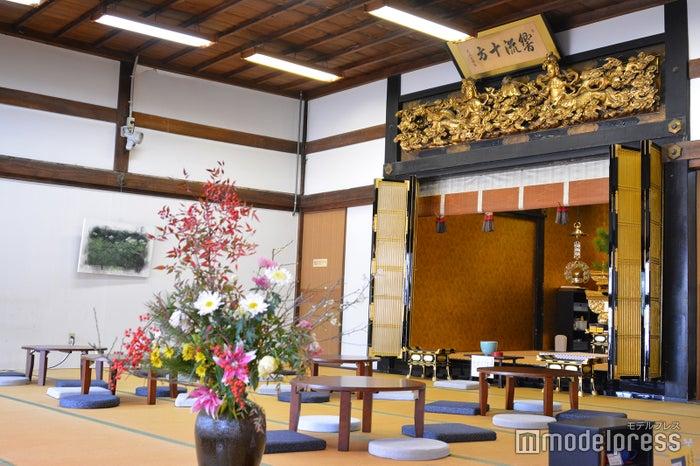 境内のお堂で甘味や抹茶を頂ける寺カフェ「茶処 蓮心庵」(C)モデルプレス