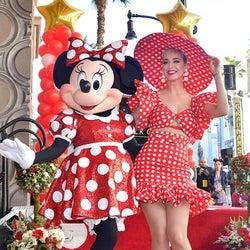ミニーマウス、ハリウッド殿堂入り果たす ミッキーから40年後