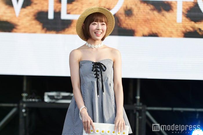 NMB48渡辺美優紀、髪ばっさりボブ×大胆素肌魅せで堂々ランウェイ(C)モデルプレス