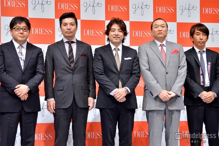 株式会社gift主要経営陣(左から)秋元康氏、藤田晋氏、山本由樹氏、見城徹氏、松浦勝人氏