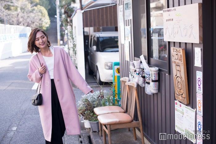 散策の途中で京雑炊が人気の「ハルハウス」を発見/山賀琴子(C)モデルプレス