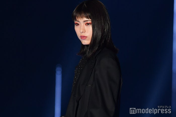 「第30回 マイナビ 東京ガールズコレクション 2020 SPRING/SUMMER」に出演した井手上漠 (C)モデルプレス