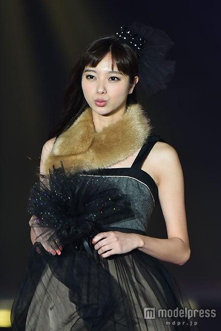 ファッション&音楽イベント「GirlsAward 2015 AUTUMN/WINTER」に出演した新川優愛【モデルプレス】