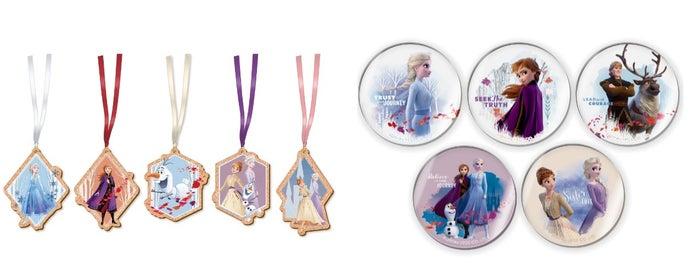 オーナメント(ランダム5種) 950円、アクリルマグネット(ランダム5種) 500円(C)Disney