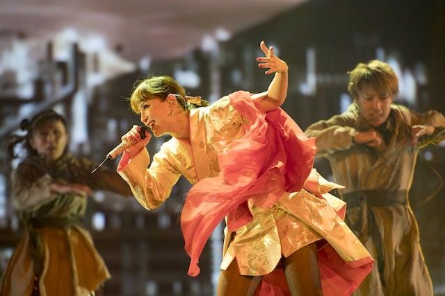 17年連続のカウントダウンライブを開催する浜崎あゆみ(写真は過去のライブの模様/提供:所属事務所)