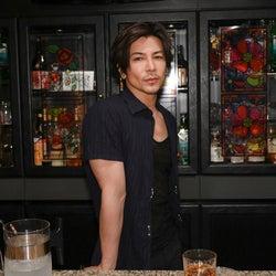 武田真治、高橋一生にアドバイスするスナックのママ役で『凪のお暇』出演!「なかなか思い切ったキャラクター」
