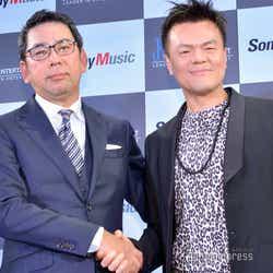 株式会社ソニー・ミュージックエンタテインメント取締役・村松俊亮氏、パク・ジニョン氏 (C)モデルプレス