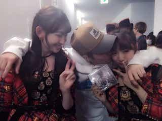 ジャスティン・ビーバー、AKB48高橋みなみにキス 興奮の声が殺到