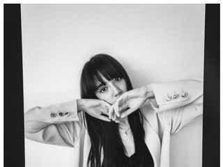 E-girls藤井夏恋、リモート撮影に初挑戦「花が似合いすぎる」「色気がすごい」の声続々
